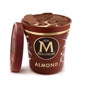 MAGNUM Gelat de xocolata amb ametlles