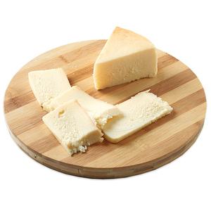 MASGRAU Pastís Masgrau de formatge Km0 al tall en cunya